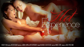 Hot Experience starring Mia Knox & Silvie Deluxe