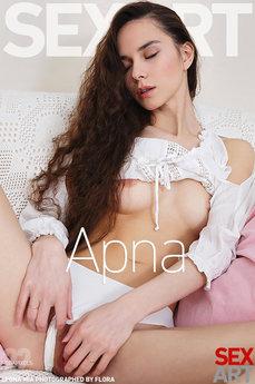 SexArt - Leona Mia - Apna by Flora
